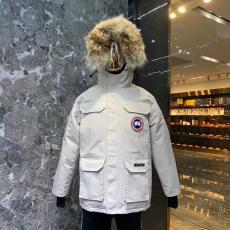 カナダグース Canada Goose  ダウンジャケット 人気  カップルブランドコピー激安安全後払い販売専門店