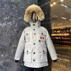 カナダグース Canada Goose ダウン  冬物 冬 暖かい 5色 おすすめコピー代引き口コミ