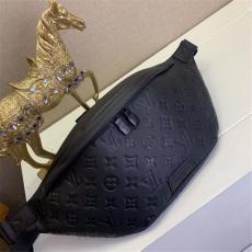 ルイヴィトン LOUIS VUITTON メンズ/レディース 胸バッグ ウエストポーチ 2色 美品 M44388/M44336 /M44443ブランドコピーバッグ激安国内発送販売専門店