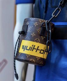 ブランド可能ルイヴィトン LOUIS VUITTON メンズ/レディース 2色 ショルダーバッグ 斜めがけ おすすめ M44631バッグ激安販売