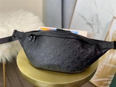 ルイヴィトン LOUIS VUITTON メンズ/レディース ウエストポーチ 胸バッグ 人気 M44336  エンボス 牛革ブランドコピー激安販売専門店