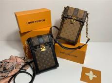 ブランド後払いルイヴィトン LOUIS VUITTON 斜めがけ ショルダーバッグ 2色 ボックスバッグ 電話バッグM63913 モノグラム 黄花 人気スーパーコピーバッグ通販