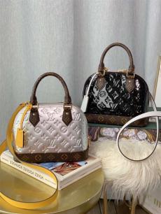 ルイヴィトン LOUIS VUITTON ボストンバッグ ショルダーバッグ 斜めがけ 2色 シェル型バッグ 高評価   M44389激安販売バッグ専門店