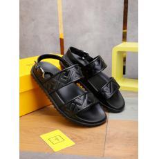 即発注目度NO.7 FENDI フェンディ カジュアルシューズ牛革防滑おしゃれコンビネーションしやすい軽量スリッパ 人気商品fashionコピーブランド代引き