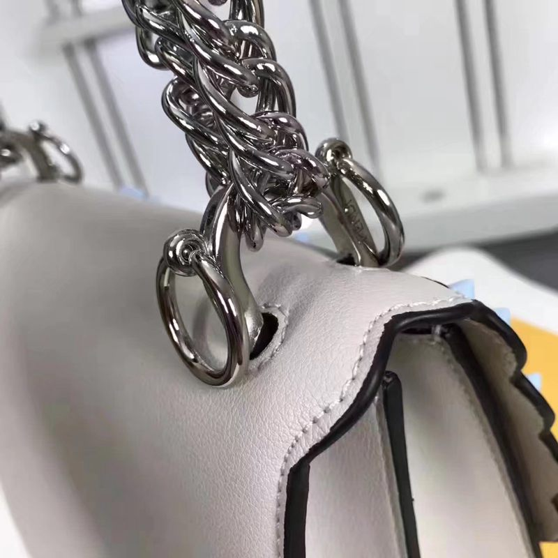ブランド可能 FENDI フェンディ  F018-2 ショルダーバッグ  斜めがけショルダースーパーコピーバッグ安全後払い専門店