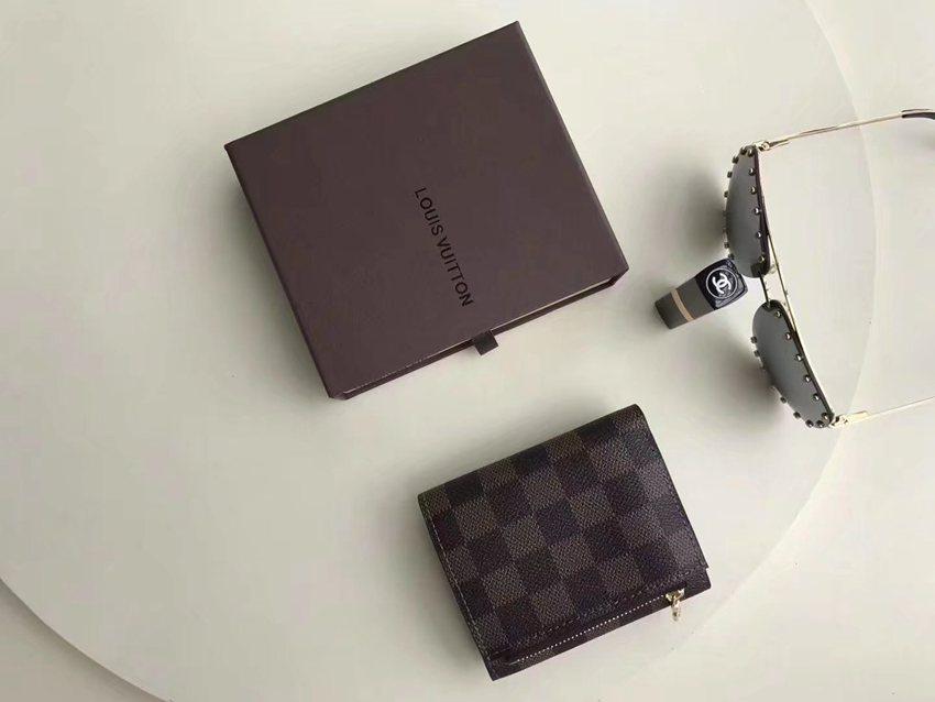 店長は推薦しますルイヴィトン  LOUIS VUITTON  M60402-2 三つ折り財布 短財布 財布コピー最高品質激安販売