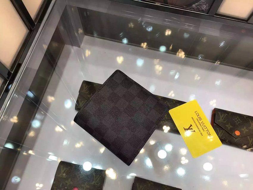 美品ルイヴィトン  LOUIS VUITTON  61675-1 短財布  2018年新作財布激安代引き口コミ