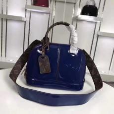 美品LOUIS VUITTON ルイヴィトン 値下げ M54785-4  青いショルダーバッグ  斜めがけショルダー トートバッグブランドバッグ通販