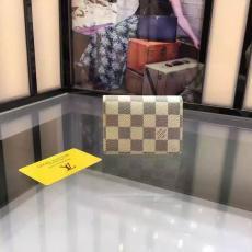 新作LOUIS VUITTON ルイヴィトン セール価格 58117-1  短財布 安全後払いレプリカ激安財布代引き対応