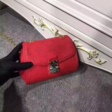 店長は推薦しますLOUIS VUITTON ルイヴィトン 特価 M94552-1  赤色斜めがけショルダー新入荷安いバッグレプリカ販売