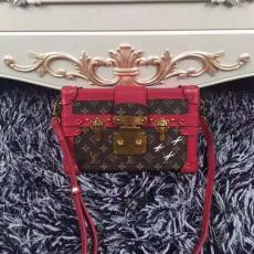 高評価 LOUIS VUITTON ルイヴィトン    ショルダーバッグ  斜めがけショルダーレプリカ販売バッグ