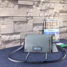 ブランド販売 プラダ  PRADA  1BD082-4 レディース ショルダーバッグ激安 代引き口コミ