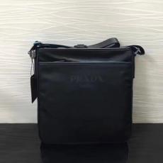 ブランド通販 プラダ  PRADA 特価 797 メンズ ショルダーバッグレプリカ販売