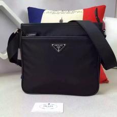 ブランド販売 プラダ  PRADA  797-1 メンズ ショルダーバッグレプリカ販売