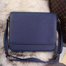 ブランド販売 ルイヴィトン  LOUIS VUITTON  M32814-2 メンズ ショルダーバッグブランドコピーバッグ安全後払い専門店