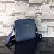 ブランド国内 プラダ  PRADA  2VH014-1 メンズ 斜めがけショルダーレプリカ激安バッグ代引き対応