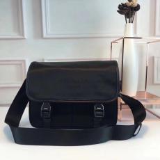 ブランド後払い プラダ  PRADA 値下げ 0797 メンズ 斜めがけショルダーレプリカ販売バッグ