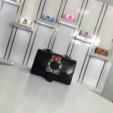 ブランド可能 MiuMiu ミュウミュウ  99382-3 ショルダーバッグレプリカ販売バッグ