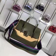 新作ブランド国内 Versace ヴェルサーチ   ショルダーバッグ  斜めがけショルダー トートバッグ安全後払いスーパーコピーバッグ通販