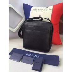 ブランド国内 プラダ  PRADA   メンズ 斜めがけショルダーレプリカ販売バッグ