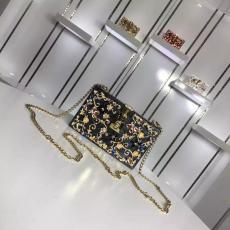 ブランド後払い ドルチェ & ガッバーナ  Dolce & Gabbana 特価  斜めがけショルダーレプリカ 代引き