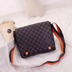 ブランド販売 ルイヴィトン  LOUIS VUITTON  N42405-1 メンズ ショルダーバッグ  斜めがけショルダースーパーコピーバッグ激安販売専門店