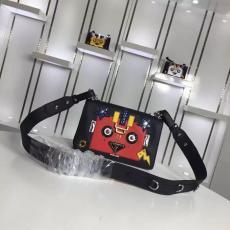ブランド通販 プラダ  PRADA  1BD055-2 ショルダーバッグ  斜めがけショルダースーパーコピー激安販売専門店