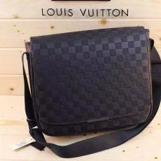 ブランド通販 ルイヴィトン  LOUIS VUITTON  M97029 メンズ ショルダーバッグ  斜めがけショルダースーパーコピーバッグ通販
