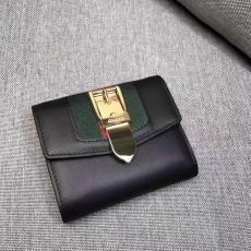 ブランド可能 GUCCl グッチ  476081-2  短財布 財布コピー代引き